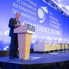 The International Economic Forum of the Americas. The Conference of Paris in the OECD in Paris. Gérard Mestrallet, Engie